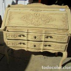Antigüedades: BURO, COMODA, ESCRITORIO DE MADERADE ROBLE TALLADA . Lote 154388746