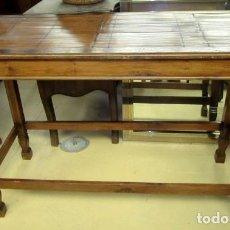 Antigüedades: CONSOLA COLONIAL, TAPA CON TARACEA Y BAMBU . Lote 154389862