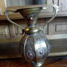 Antigüedades: JARRA, JARRON, ANTIGUA DE LATON, COBRE Y BRONCE . Lote 154403014