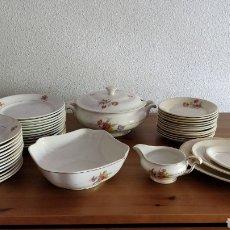 Antigüedades: ANTIGUA VAJILLA PORCELANA PICKMAN LA CARTUJA SEVILLA. Lote 154441709