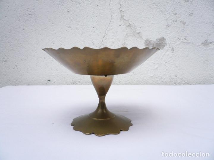 Antigüedades: COPA PEQUEÑO FRUTERO DE LATÓN ESMALTADO EN VERDE - Foto 3 - 154456162