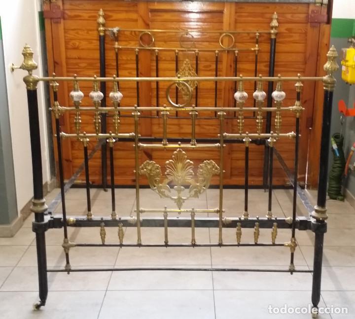 CAMA ANTIGUA DE HIERRO (Antigüedades - Muebles Antiguos - Camas Antiguas)
