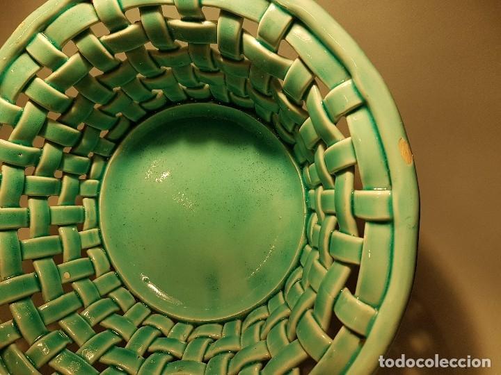 Antigüedades: PRECIOSO Y ANTIGUO CENTRO CERAMICA TRENZADA VIDRIADA EN AZUL TURQUESA MANISES AÑOS 1950 - Foto 7 - 154514586