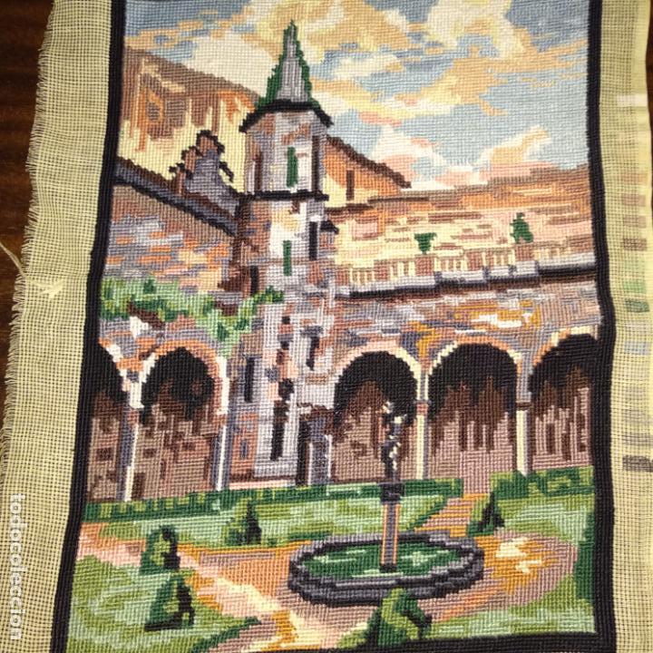 Antigüedades: Tapiz bordado motivo eclesiástico 42x28 cm - Foto 2 - 154545102