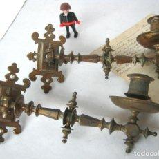 Antigüedades: ANTIGUOS APLIQUES CANDELABROS DE BRONCE. Lote 154550258