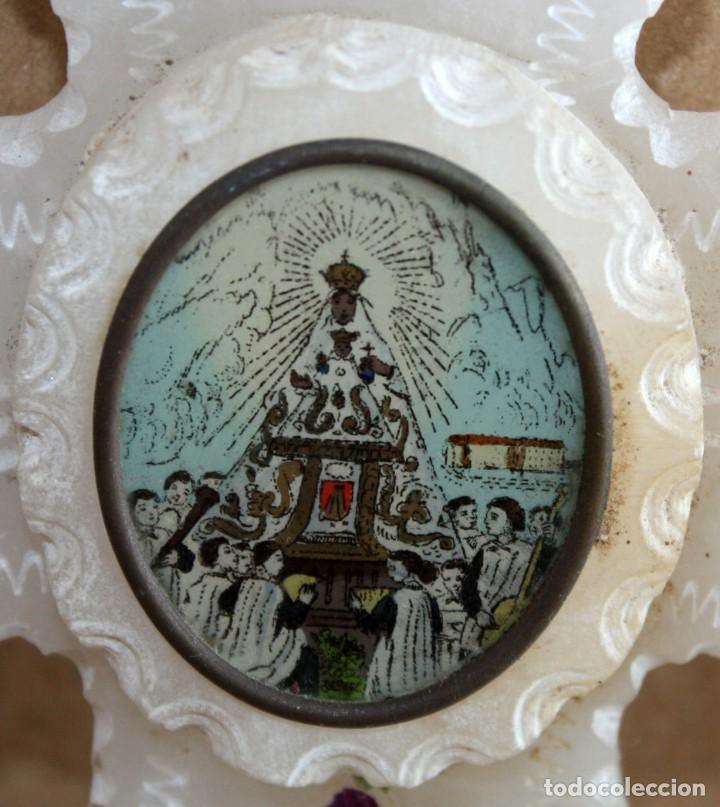 Antigüedades: BENDITERA DE ALABASTRO PINTADO-VIRGEN DE MONTSERRAT Y LA ESCOLANIA-SG XIX. - Foto 8 - 154561678