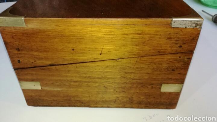 Antigüedades: Escritorio de barco o de viaje con herrajes de laton - Foto 2 - 154592536