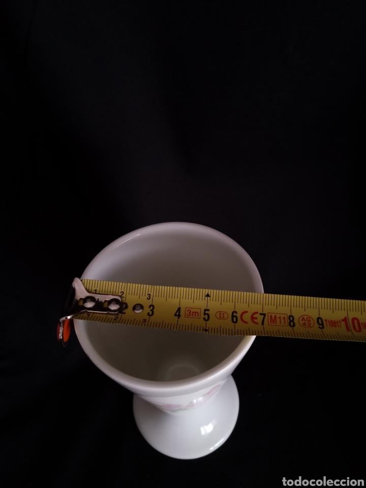 Antigüedades: Pequeño jarron de porcelana blanca de Limoges. Violetero. Florero - Foto 6 - 154653762