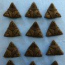 Antigüedades: 23 ANTIGUOS APLIQUES REALIZADOS CON HILO - AÑOS 20. Lote 154662390