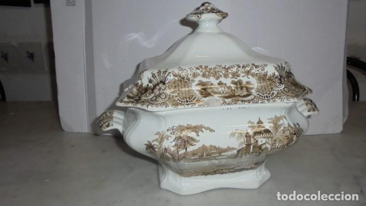 (M) ANTIGUA SOPERA , CARTUJA PICKMAN , CALCOMANIA DE COLOR MARRON PERFECTO ESTADO 27 CM. ALTURA (Antigüedades - Porcelanas y Cerámicas - La Cartuja Pickman)