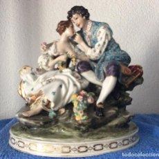 Antigüedades: MEISSEN ,ANTIGUA FIGURA DE PORCELANA CON MARCAS EN BASE . Lote 154720466