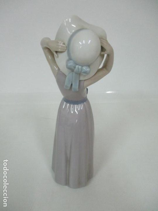 Antigüedades: Bonita Figura - Porcelana Lladró - Niña con Pamela - Foto 9 - 154774258