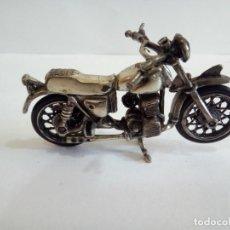 Antigüedades: MOTO EN MINIATURA REALIZADA EN PLATA 925. Lote 154778254