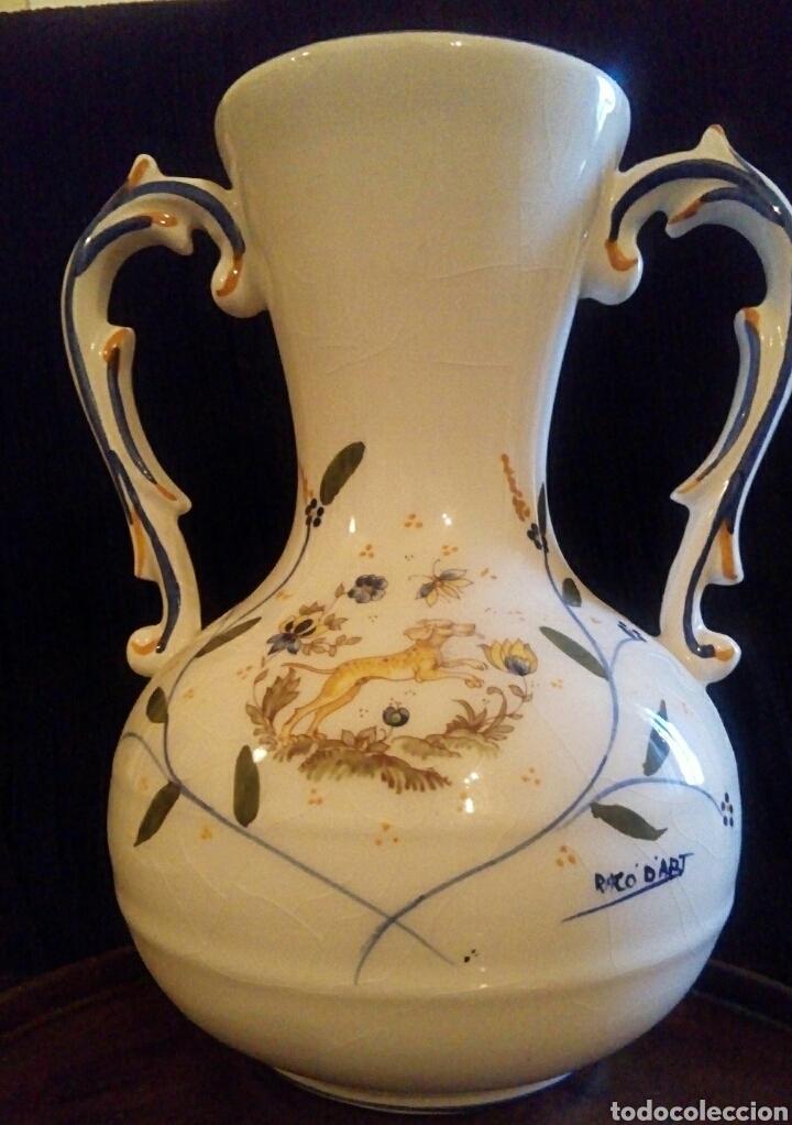 Antigüedades: Antiguo jarron de cerámica. Raco Dart. Decorado a mano. - Foto 2 - 154792950