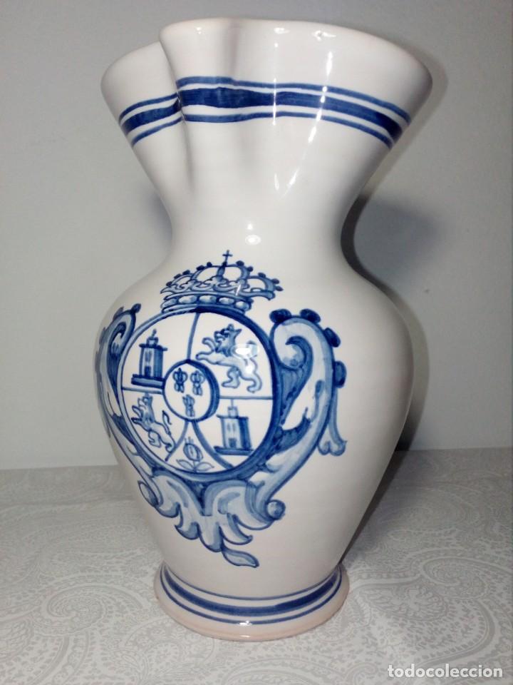 PRECIOSA JARRA DE CERÁMICA DE CERALFAR TALAVERA (PINTADA A MANO) ALTO 20 CM (Antigüedades - Porcelanas y Cerámicas - Talavera)