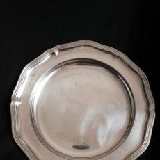 Antigüedades: FUENTE DE METAL BAÑADA EN PLATA. Lote 154861146