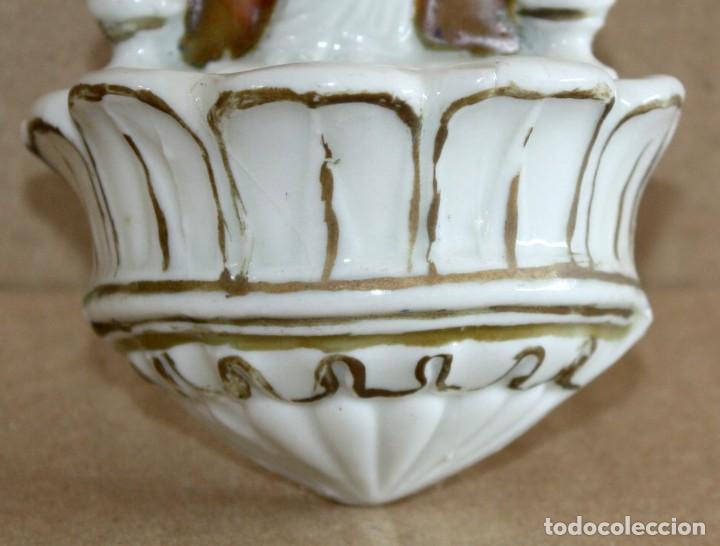 Antigüedades: BENDITERA DE PORCELANA ESMALTADA-VIRGEN. - Foto 4 - 154870274