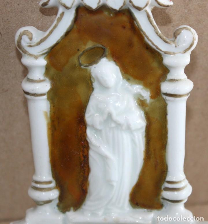 Antigüedades: BENDITERA DE PORCELANA ESMALTADA-VIRGEN. - Foto 5 - 154870274