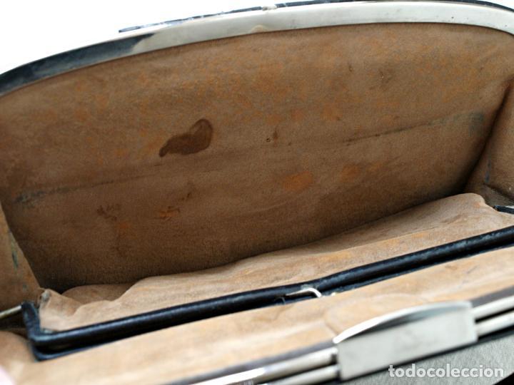 Antigüedades: ANTIGUO BOLSO DE PIEL DE COCODRILO NEGRO. 28 X 18 CM APROX. VER FOTOS Y DESCRIPCION. - Foto 9 - 154922250