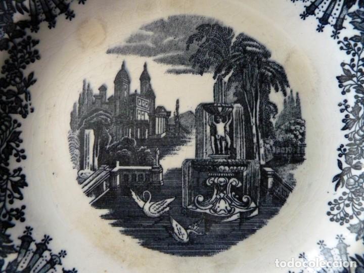 Antigüedades: ANTIGUO PLATO HONDO DECORACIÓN CARTUJANA, DE LOZA PICKMAN, S.A. SEVILLA CARTUJA. 23 cm. - Foto 2 - 154925542