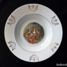 Antigüedades: ANTIGUO Y BONITO PLATO HONDO, DECORACIÓN G. FRANCESCO BARBIERI. PORCELANA OPACA L.C.S.J., SEVILLA (2. Lote 154926614
