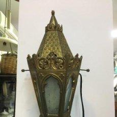 Antigüedades: ANTIGUO FAROL DE METAL Y CRISTAL CON MEDIDA 46 CM - RELIGIOSO - IGLESIA. Lote 154941670