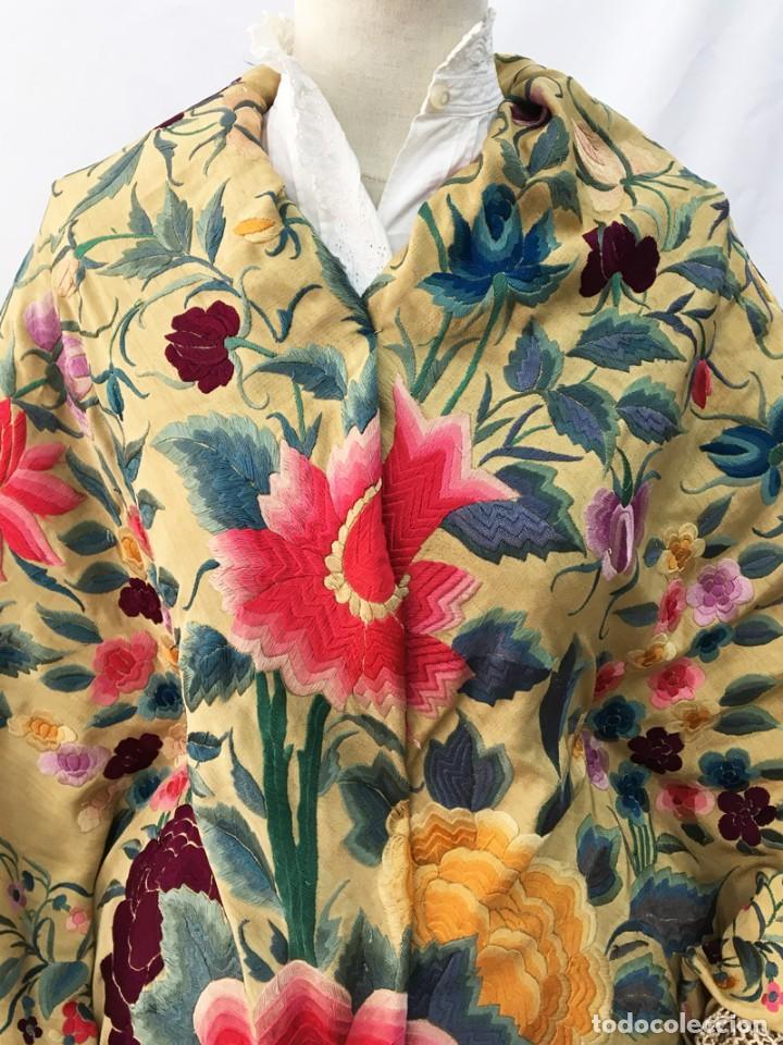 Antigüedades: Manton de manila antiguo amarillo de tulipanes - Foto 5 - 154968190