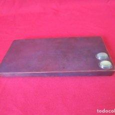 Antigüedades: CAJITA PLATEADA CON PIEDRAS VERDES.. Lote 154969986