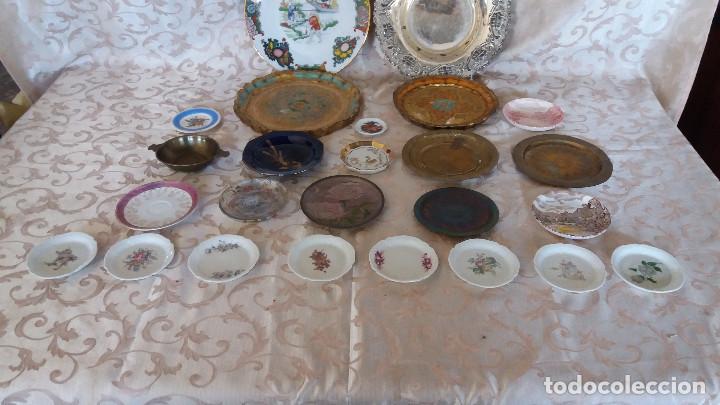 Antiquitäten: Gran Lote de Platos decorativos, varias marcas, materiales y años - Foto 3 - 154988622