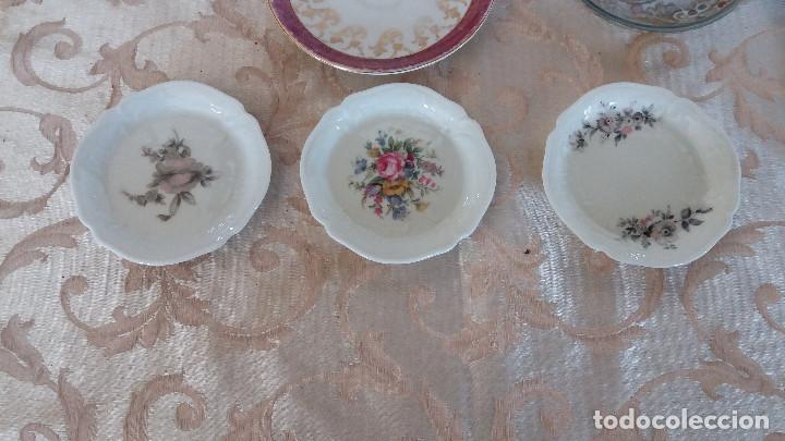 Antiquitäten: Gran Lote de Platos decorativos, varias marcas, materiales y años - Foto 12 - 154988622