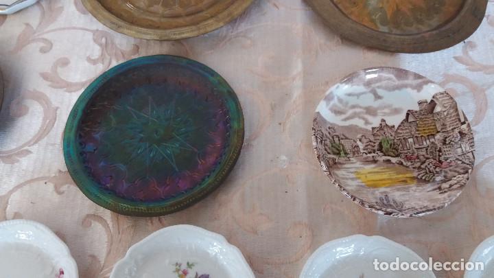 Antiquitäten: Gran Lote de Platos decorativos, varias marcas, materiales y años - Foto 15 - 154988622