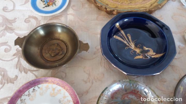 Antiquitäten: Gran Lote de Platos decorativos, varias marcas, materiales y años - Foto 7 - 154988622