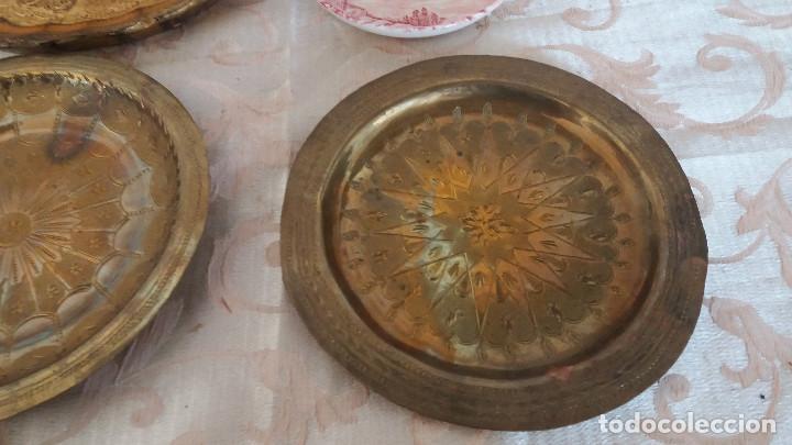 Antiquitäten: Gran Lote de Platos decorativos, varias marcas, materiales y años - Foto 8 - 154988622