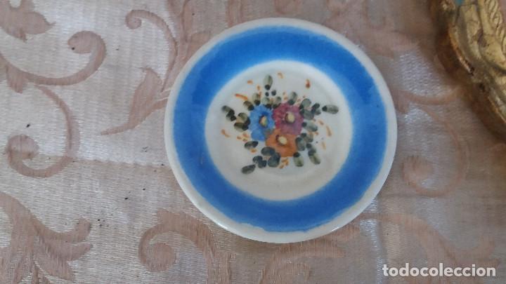 Antiquitäten: Gran Lote de Platos decorativos, varias marcas, materiales y años - Foto 19 - 154988622