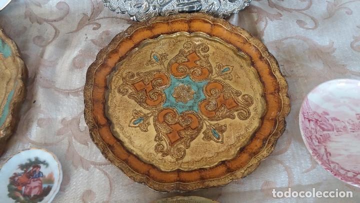 Antiquitäten: Gran Lote de Platos decorativos, varias marcas, materiales y años - Foto 5 - 154988622