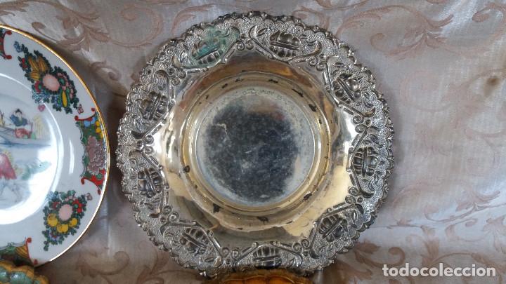 Antiquitäten: Gran Lote de Platos decorativos, varias marcas, materiales y años - Foto 20 - 154988622