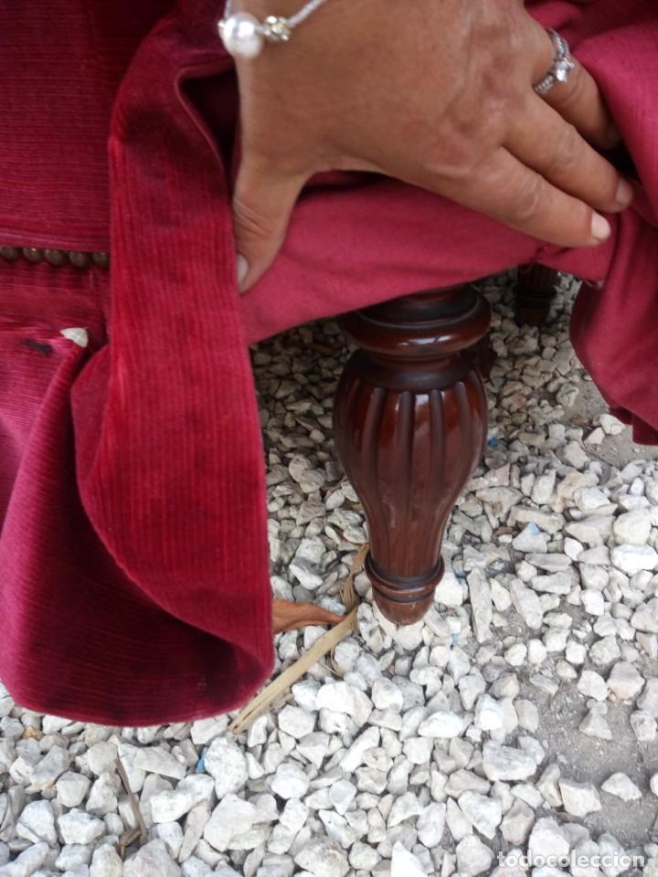 Antigüedades: Antiguo sofa isabelino tapizado rojo madera noble,patas torneadas. - Foto 5 - 155005966