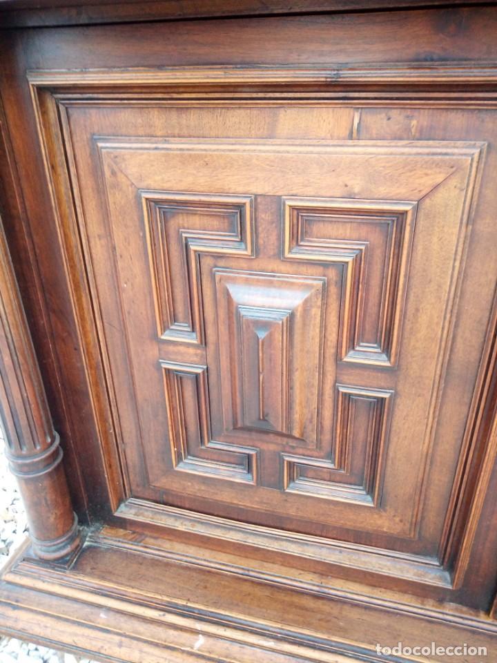 Antigüedades: Antiguo aparador de roble macizo,decoraciones talladas.2 cajones asas de bronce. - Foto 16 - 161353592