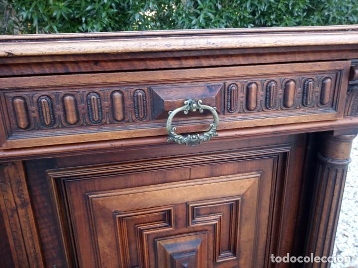 Antigüedades: Antiguo aparador de roble macizo,decoraciones talladas.2 cajones asas de bronce. - Foto 18 - 161353592