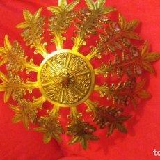 Antigüedades: BRONCE ANTIGUO 1920 CON DETALLES DE CRISTAL. Lote 155072542