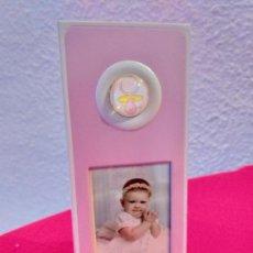 Antigüedades: PORTA FOTO O PORTA RETRATO INFANTIL. RECUERDO DE BAUTIZO.. Lote 155095522