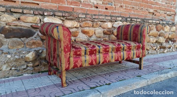 Antigüedades: Banqueta descalzadora antigua vintage estilo chester. Chaise longue sofá antiguo estilo chesterfield - Foto 2 - 155101574