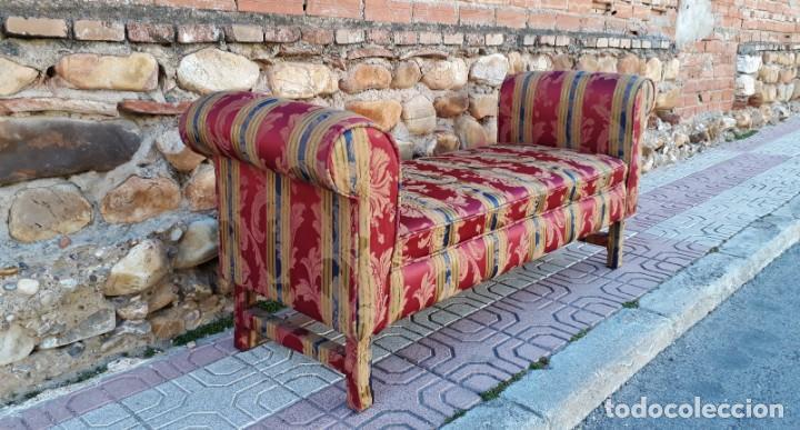 Antigüedades: Banqueta descalzadora antigua vintage estilo chester. Chaise longue sofá antiguo estilo chesterfield - Foto 4 - 155101574