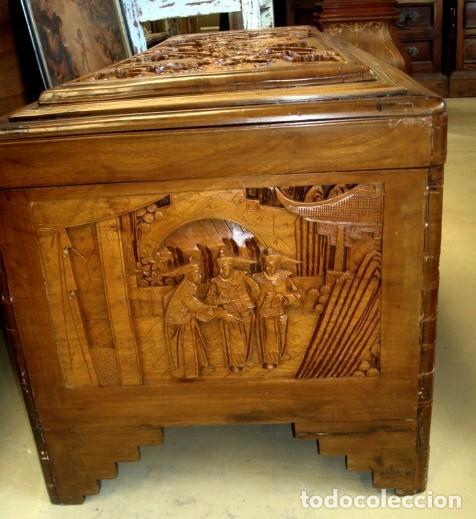 Antigüedades: Arcon baul chino antiguo tallado, en madera de alcanfor - Foto 2 - 155126642