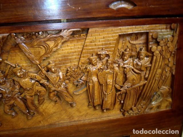 Antigüedades: Arcon baul chino antiguo tallado, en madera de alcanfor - Foto 14 - 155126642