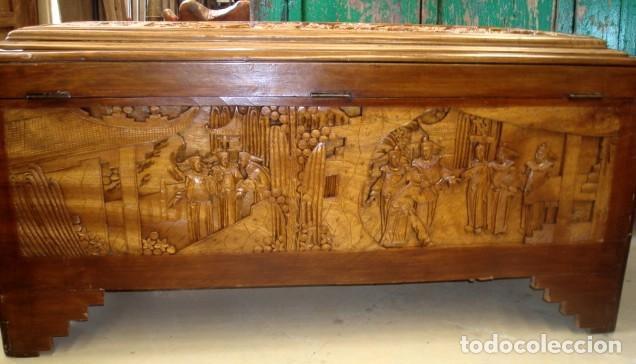 Antigüedades: Arcon baul chino antiguo tallado, en madera de alcanfor - Foto 15 - 155126642