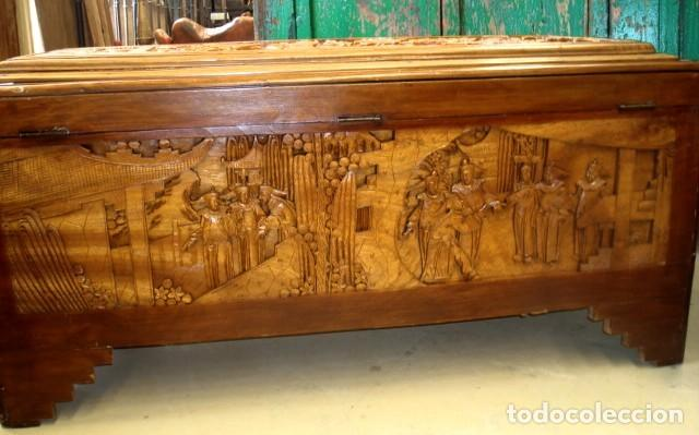 Antigüedades: Arcon baul chino antiguo tallado, en madera de alcanfor - Foto 16 - 155126642