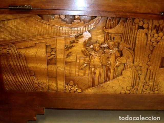 Antigüedades: Arcon baul chino antiguo tallado, en madera de alcanfor - Foto 17 - 155126642