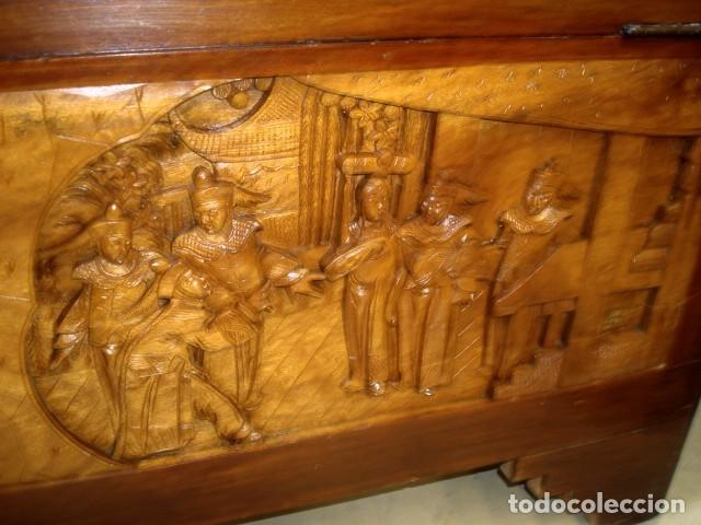 Antigüedades: Arcon baul chino antiguo tallado, en madera de alcanfor - Foto 19 - 155126642