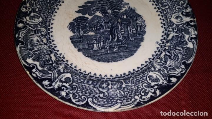 Antigüedades: PLATO DE PORCELANA DECORADO - Foto 2 - 155133454